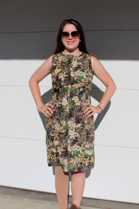 Simplicity 0259: 1960's shift dress made in tropical print cotton